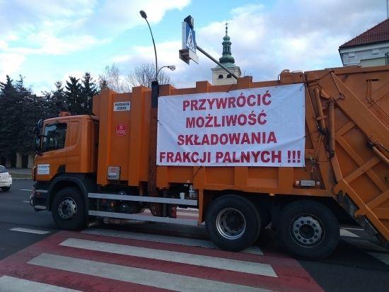 """""""Protest śmieciarek"""" w Rzeszowie [FOTO] - Aktualności Rzeszów - zdj. 4"""