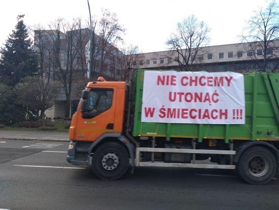 """""""Protest śmieciarek"""" w Rzeszowie [FOTO] - Aktualności Rzeszów - zdj. 5"""