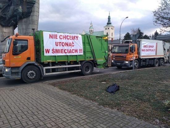 """""""Protest śmieciarek"""" w Rzeszowie [FOTO] - Aktualności Rzeszów - zdj. 7"""