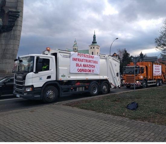 """""""Protest śmieciarek"""" w Rzeszowie [FOTO] - Aktualności Rzeszów - zdj. 9"""