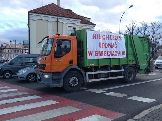 """""""Protest śmieciarek"""" w Rzeszowie [FOTO] - Aktualności Rzeszów - zdj. 16"""
