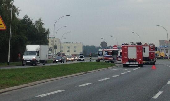 Wypadek przy Armii Krajowej w Rzeszowie. Dwie osoby ranne - Aktualności Rzeszów - zdj. 4
